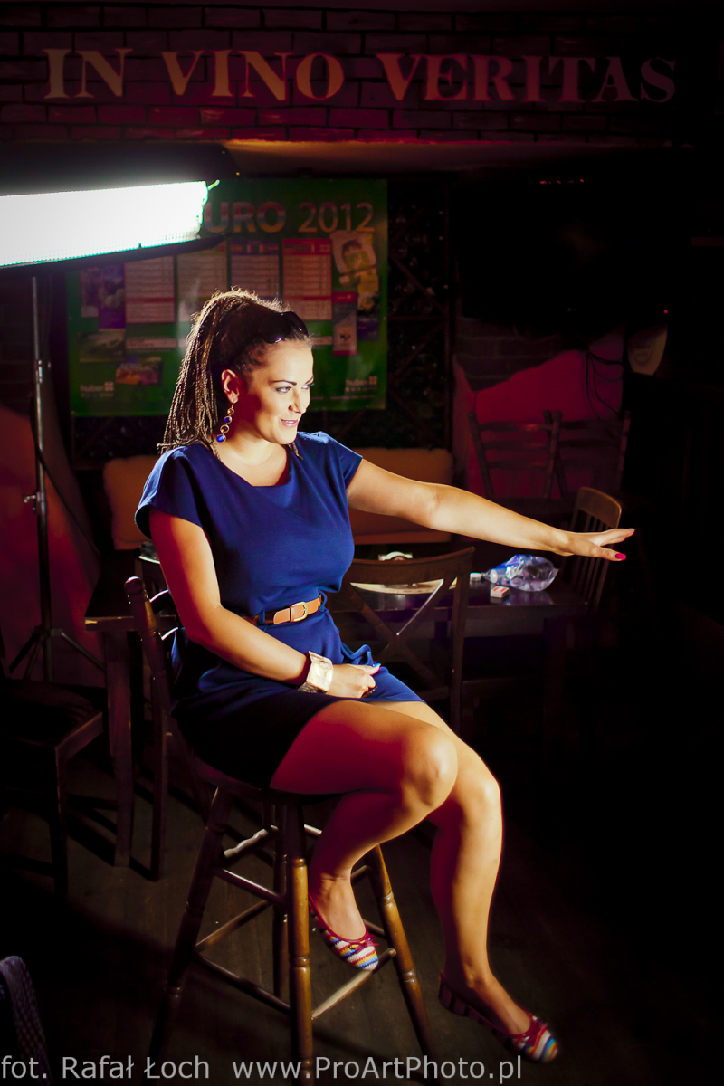 Asia Kwaśnik na planie teledysku